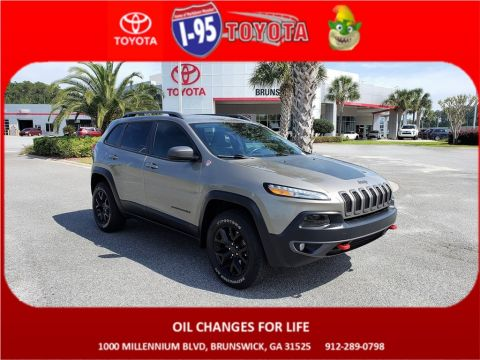 Pre-Owned 2017 Jeep Cherokee Trailhawk 4WD 4D Sport Utility